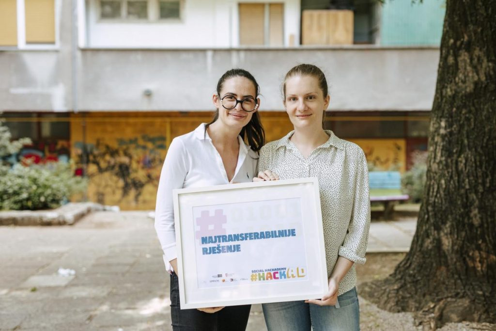 Iva Matetić and Matea Dejanović Jozić with most transferable solution award at Social Hackathon Rijeka.
